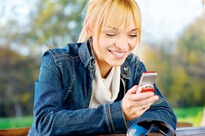 SNS利用率は48.9%、利用者トップは「Facebook」
